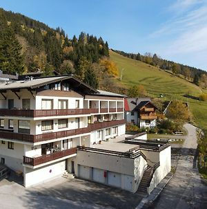 Apartment Holiday - Ski-In Ski-Out By All In One Apartments photos Exterior