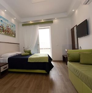 Appealing Apartment In Rome Near Colosseum photos Exterior