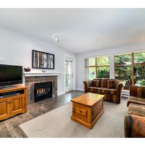 Convenient Village Location With Pool And Hot Tub photos Exterior