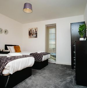 Onyx Contractor City Centre Mailbox Bullring Staycation Holiday Let Apartment photos Exterior