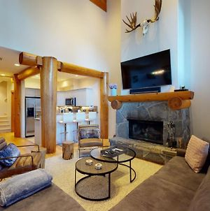 Luxury Mountain Retreat With Private Hot Tub By Harmony Whistler photos Exterior