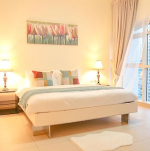 Signature Holiday Homes - Furnished 3Bhk Duplex In Yacht Bay, Dubai Marina photos Exterior