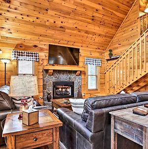 Sevierville Cabin With Deck Near Pigeon Forge! photos Exterior