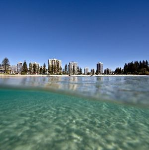 Rainbow Pacific Unit 15 - Great Value 2 Bedroom Beachfront Unit In Rainbow Bay Coolangatta photos Exterior