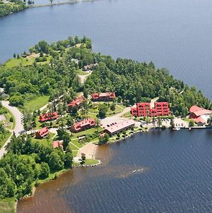 Four-Season Resort On The Shore Of Calabogie Lake photos Exterior