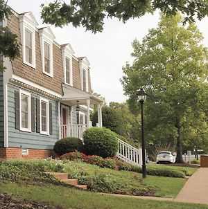 Quiet Colonial Resort Community In Historic Williamsburg photos Exterior