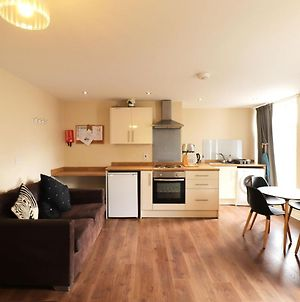 Bright Apartment In Doncaster Near Keepmoat Stadium photos Exterior