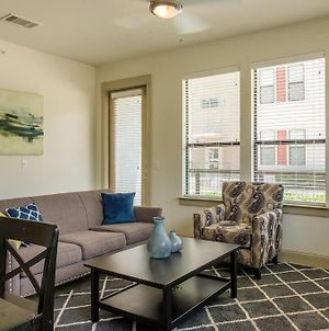 2Br And 1Br Apts With Parking And Laundry By Frontdesk photos Exterior