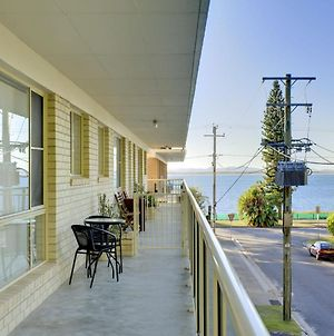 Shoal Court 4 7 Lillian St Fantastic Unit Across The Road From Shoal Bay Beach photos Exterior