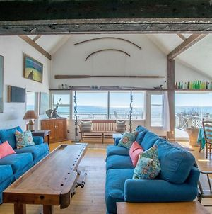 105 Beachfront On Commercial St With Sweeping Views Of The Harbor Dog Friendly photos Exterior