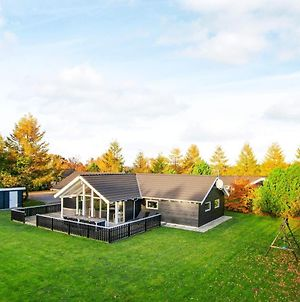 Four-Bedroom Holiday Home In Glesborg 19 photos Exterior