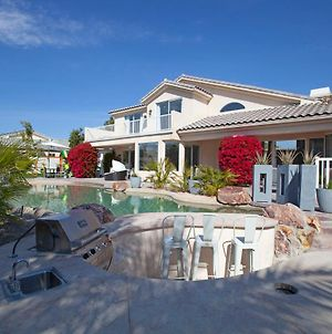 Large Luxury Villa photos Exterior