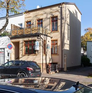 Modern Apartment In Warnemunde Germany Near Forest photos Room