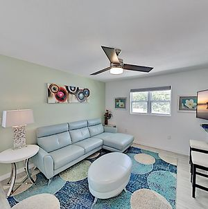 The Best Home Vacation Experience On Lido Key! Duplex photos Exterior