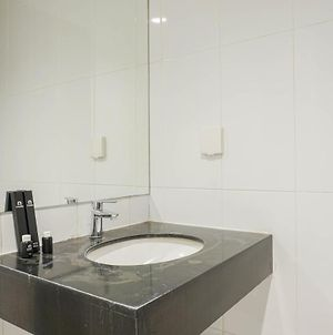 Homey With Private Lift 2Br Apartment At St. Moritz Puri Near Mall By Travelio photos Exterior