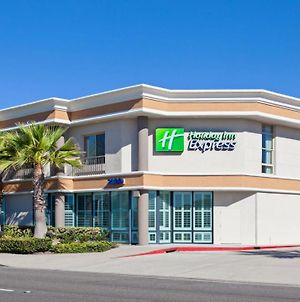 Holiday Inn Express Newport Beach, An Ihg Hotel photos Exterior