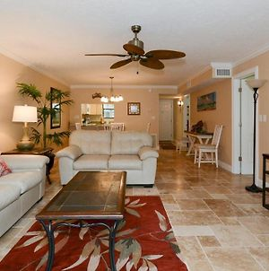 Condo 107 Experience Paradise In This 2Brs 2Bath Resort Located Right On The Number 1 Beach In America At Sea Shell Beach Front Property photos Exterior