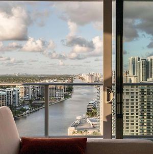 New Corner 2Br Unit W Intracoastal Views Hollywood photos Exterior