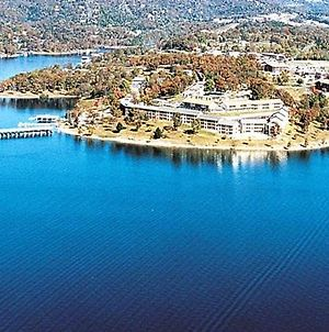 Beautiful Vacation Condos Situated At Table Rock Lake photos Exterior