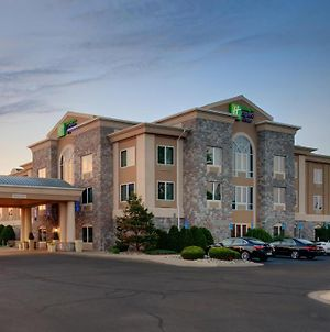 Holiday Inn Express Hotel & Suites Saginaw, An Ihg Hotel photos Exterior