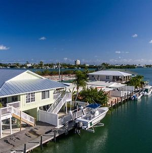 Coral Cottage 2Bed/2Bath Half Duplex With Dockage & Cabana Club photos Exterior