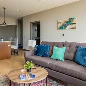 Bright And Modern Downtown Apts By Frontdesk photos Exterior