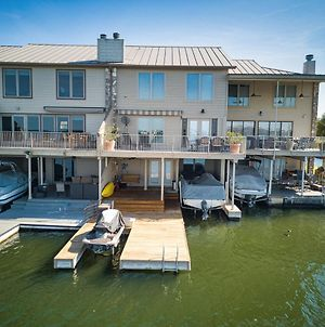 Lake Lbj Waterfront Townhouse With Boat & Jet Ski Lift photos Exterior
