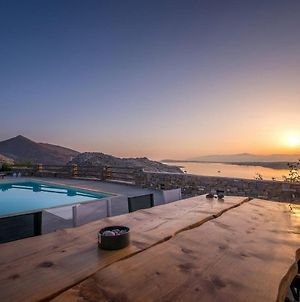 Platinum Paros Villa Villa Danae 6 Bedrooms Sea Views Naoussa photos Exterior
