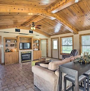 Pet-Friendly Efficiency Cottage With Pond And Pool! photos Exterior