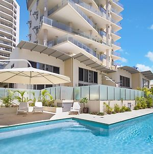 Maili 6 Luxury Sky Home Apartment In Rainbow Bay Coolangatta Wi Fi Included photos Exterior