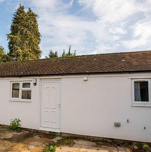 Contemporary 1 Bedroom Flat In North Oxford With Parking photos Exterior