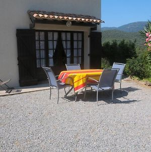Apartment With One Bedroom In La Croix-Valmer, With Wonderful Mountain View, Enclosed Garden And Wifi - 1 Km From The Beach photos Exterior