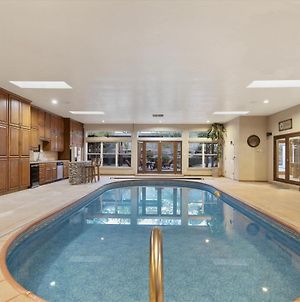 Amazing Family Vacation With Huge Indoor Pool photos Exterior