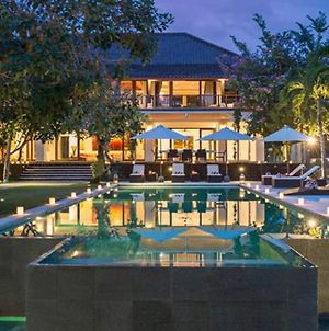 5 Star Luxury Bali Villa With Gym , Jacuzzi, Pool photos Exterior
