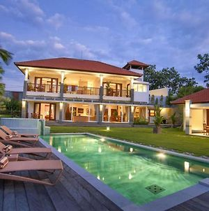 Perfect Villa To Experience A Great Holiday photos Exterior