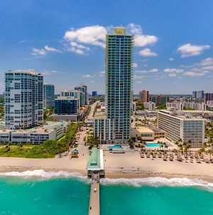 Direct Ocean! Spectacular Condo, Great Location! photos Exterior