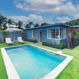 Designer Retreat With Pool & Tropical Garden Oasis Home photos Exterior