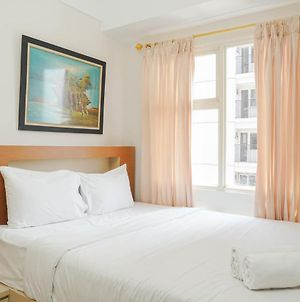 New Furnished And Elegant @ 1Br Green Park View Apartment By Travelio photos Exterior