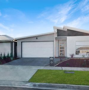 Brand New Home, 10 Mins To Beach, Torquay, Geelong, Deakin, Hospitals photos Exterior