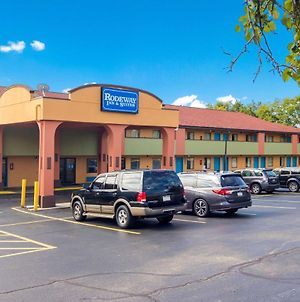 Rodeway Inn & Suites Monroeville-Pittsburgh photos Exterior