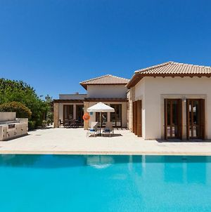 Kouklia Villa Sleeps 6 With Pool And Air Con photos Exterior