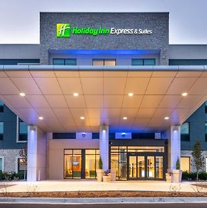 Holiday Inn Express & Suites Romeoville - Joliet North photos Exterior