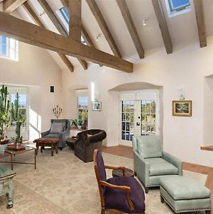 Arroyo Vista - Secluded Southwestern Luxury - New Listing photos Exterior