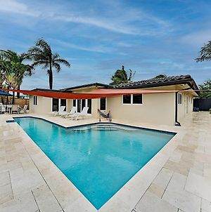 Tropical Smart Home - Heated Pool, Outdoor Kitchen Home photos Exterior