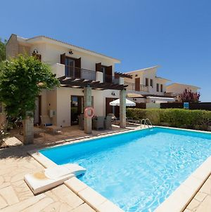 Villa In Kouklia Sleeps 6 Includes Swimming Pool And Air Con photos Exterior
