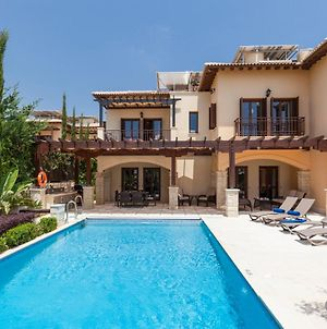 Villa In Kouklia Sleeps 6 Includes Swimming Pool And Air Con 0 photos Exterior