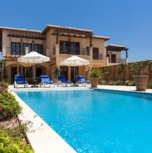 Villa In Kouklia Sleeps 4 Includes Swimming Pool And Air Con 7 photos Exterior