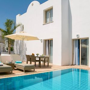 Villa In Protaras Sleeps 6 Includes Swimming Pool And Air Con 6 photos Exterior