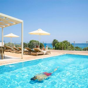 Villa In Protaras Sleeps 8 Includes Swimming Pool And Air Con 0 photos Exterior