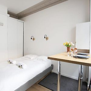 Guestready - Lovely Studio For 2 Eiffel Tower - Prime Location! photos Exterior